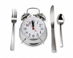 Eating late1 300x237 ダイエットをするなら今すぐレプチンのことを知るべき!