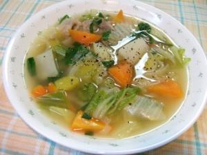 soup 300x225 ダイエット中でも食べて良いものは?空腹に備えて常備したい非常食リスト