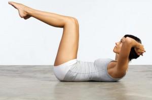 woman exercise fitness abs health 590jn031510 large 300x199 1ヶ月後に差がつく腹筋方法はコレ!筋トレ動画ピックアップ