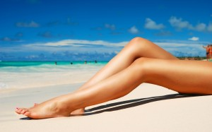 woman legs beach sand carribean tropics girls 300x187 その足パカで大丈夫?ふともも痩せ効果をあげるやり方で目指せ!脚美人!